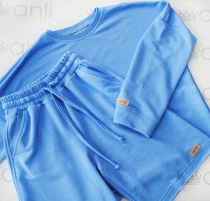 Oversize свитшот свободного кроя небесно-голубого цвета