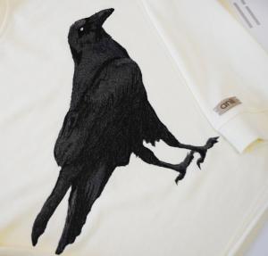 Oversize свитшот свободного кроя с вышивкой черной вороны