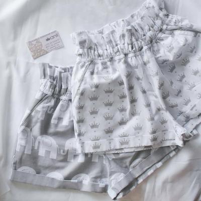 """""""Paradise"""" шорты маленькие серые короны на белом фоне"""