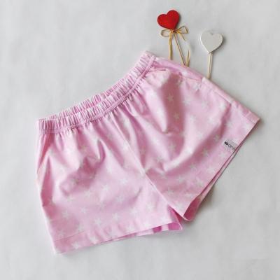 Домашние шорты с карманами звезды на розовом фоне