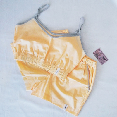 Домашние шорты с карманами персиковый однотон