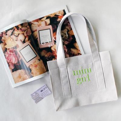 """Молочная """"Eco-friendly"""" mini-сумочка с неоновой вышивкой"""