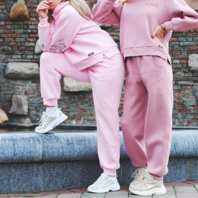 Оversize худи с капюшоном цвета розовой зефирки с вышивкой