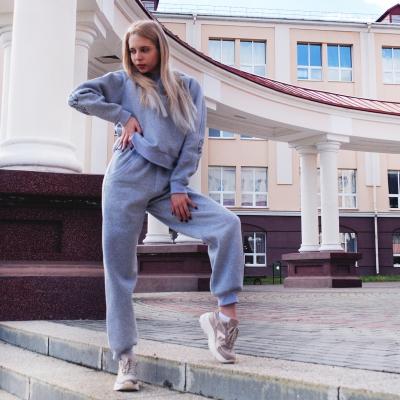Объемные брюки с начесом серого цвета