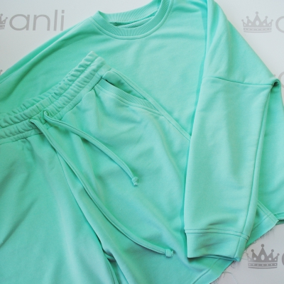 Шорты с карманами в стиле сафари мятного цвета