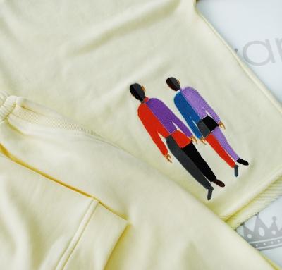 Oversize свитшот свободного кроя с вышивкой силуэтов людей
