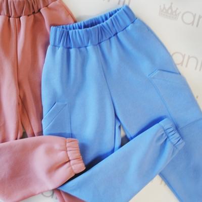 Голубые джоггеры с накладными карманами